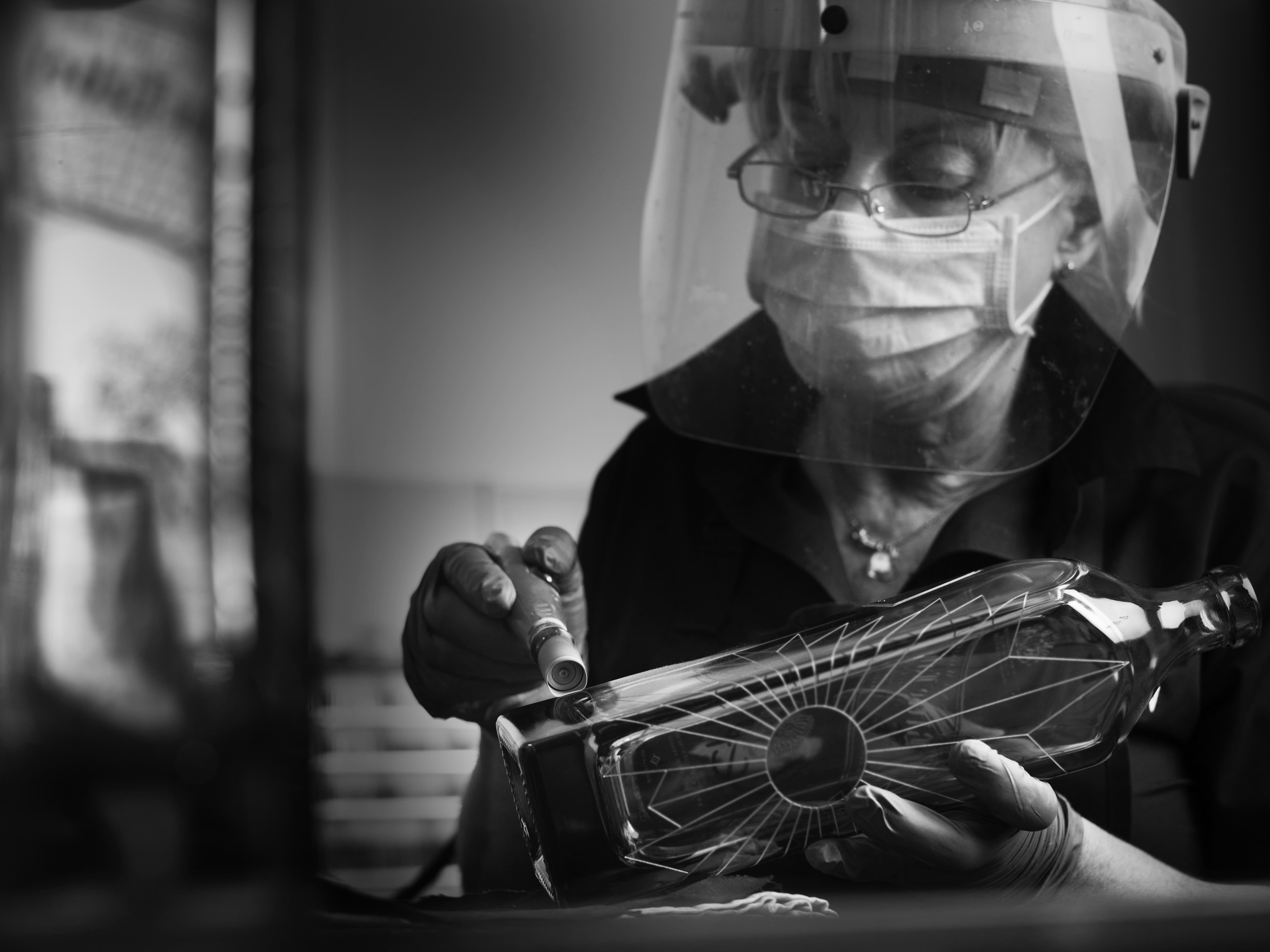 Glencairn decanter being engraved